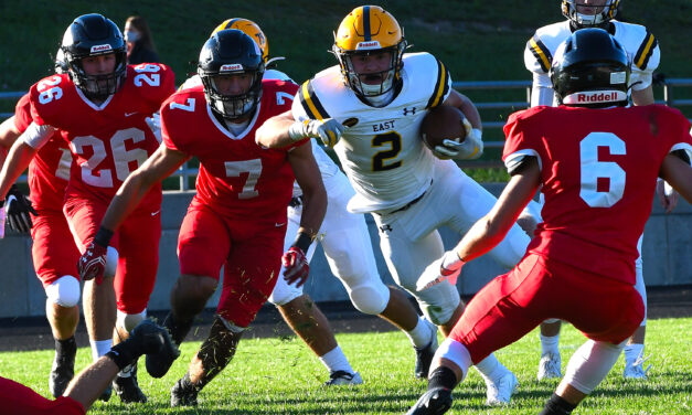 Red Arrows defeat the Pioneers in Ok White opener