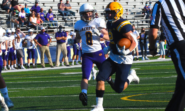 Pioneers Dominate the Yellow Jackets 49-0