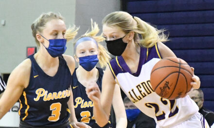 Double Dribble: Girls Basketball District Semifinals Recap