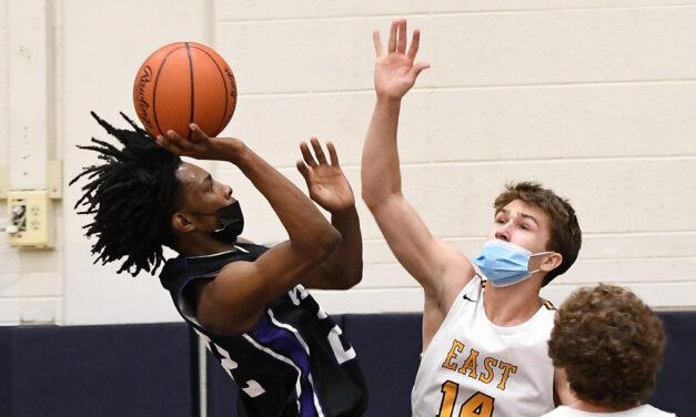 Double Dribble: Boys Basketball District Semifinal Recap